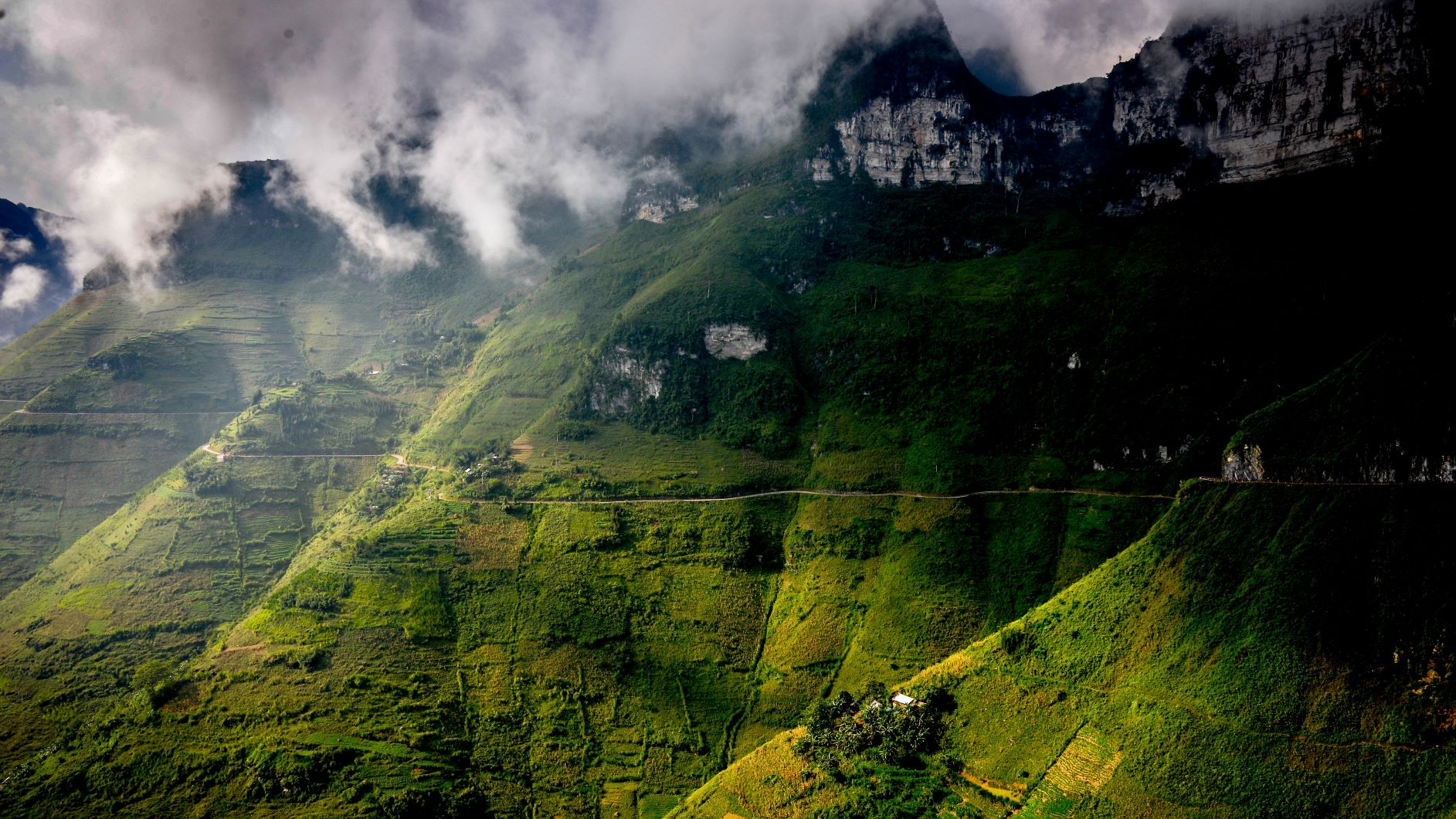 Ma Pi Leng - One of the Greatest Pass in Vietnam
